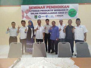 Foto Bersama Narasumber dan PP, PW dan PD IGI Kabupaten Lombok Utara pada acara Seminar Pendidikan Literasi Produktif Berbasis IT. 04/09/2016