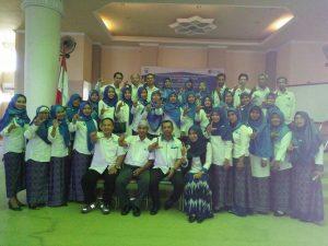 Foto Bersama Pengurus Daerah dan Narasumber pada Seminar Nasional Literasi Produktif dan Pengukuhan IGI Sumbawa Barat di Aula Sekda. Jumat, 02/09/2016.