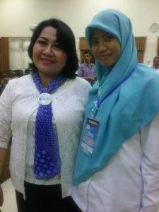 Berfoto bersama bu Rose, Ketua Harian PP IGI