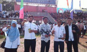 Ketua IGI dan Sekertaris PGRI foto bersama d HGN 2016 Kota Bontang