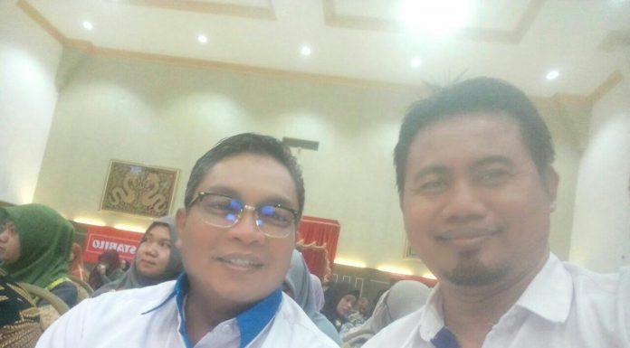 ( Sesi Menemu Baling, menulis dengan mulut membaca dengan telinga, dalam perjalanan Banjarbaru-Amuntai)